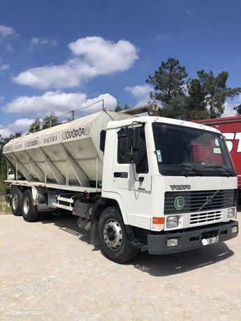 Volvo FL10 / 6x2 - Transporte de Cereais