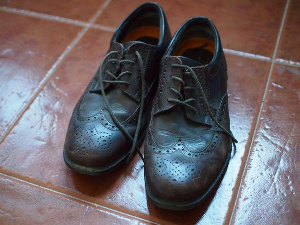 Sapatos Rockport - estilo clássico com picotado inglês