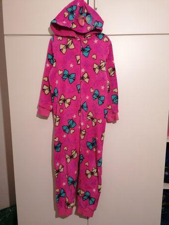 Różowa piżamka 122/128
