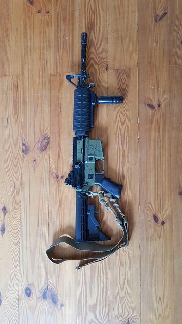 Replika karabinu M4 ASG