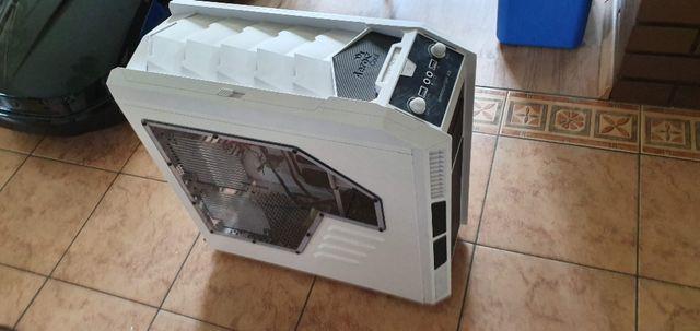 obudowa aerocool xpredator x3 white ( z oknem] napęd DVD