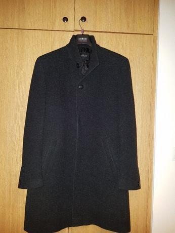 Zimowy płaszcz męski
