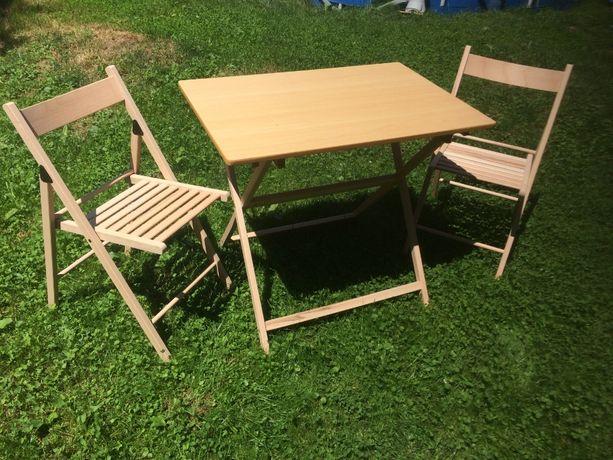 Отличный стол, и стулья для отдыха на природе.