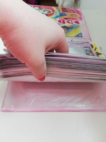 Segregator z karteczkami. Karteczki do segregatora