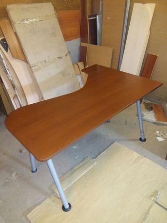 Продаётся стол офисный