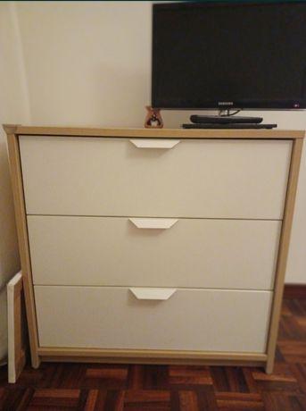 Cómoda ASKVOL IKEA
