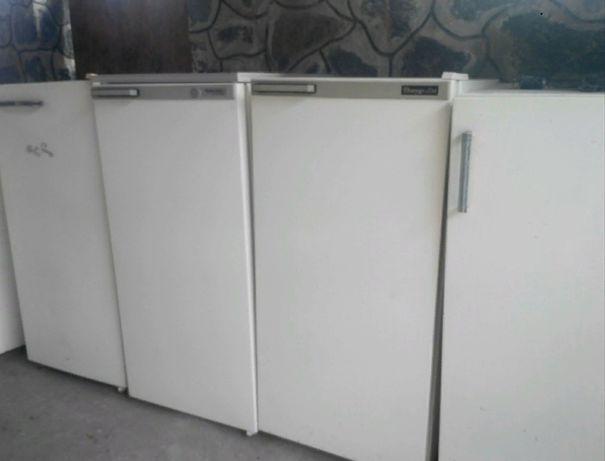 Продам б/у рабочий холодильник