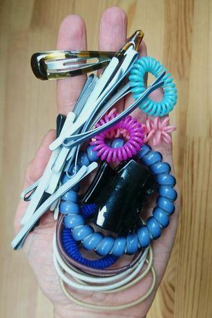Набор: заколки, крабик, резинки для волос. Украшения, бижутерия