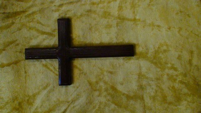 Крест из дерева ручной работы лакированный