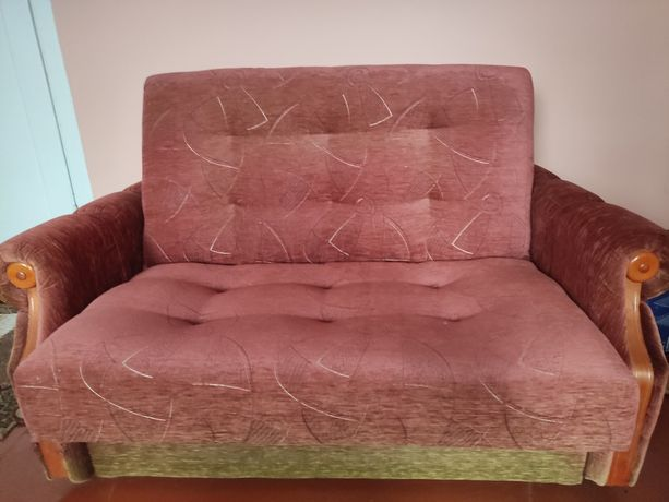 Oddam kanapę różową