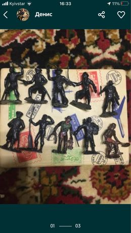 Колекионние фигурки игрушки