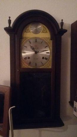 Antigo relógio parede Frontier