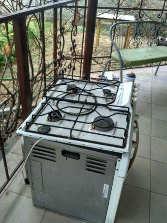 Плита газовая и духовка электр. Ariston