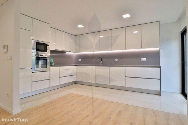 Vende-se Apartamento T3 - S. Victor - Junto à Gulbenkian