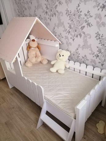 Продам детскую сказочную кроватку-домик для маленькой принцессы