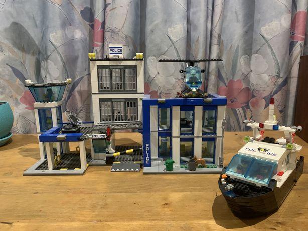 Lego полицейский участок и лодка