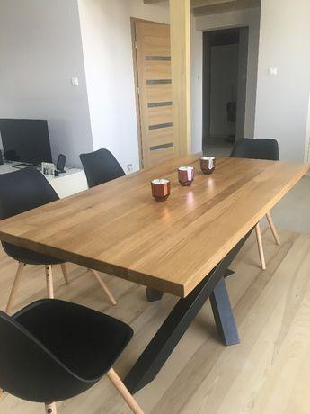 Stół z litego drewna dębowego na metalowej podstawie, metalowy profil