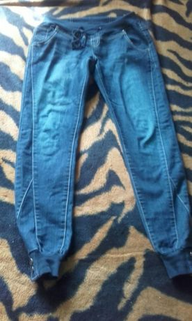 Spodnie jegginsy dresy ściągacze
