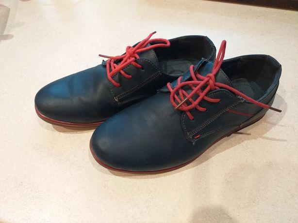 Eleganckie wizytowe pantofle