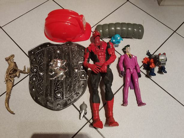 Duża figurka Spider Man i Jocker Kask i tarcza