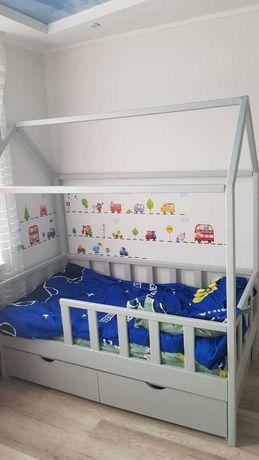Детская кровать- домик из массива дерева. Николаев.