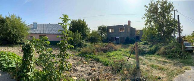 Напівзруйнований будинок