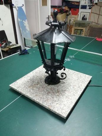Lampa ogrodowa (żeliwo i marmur)