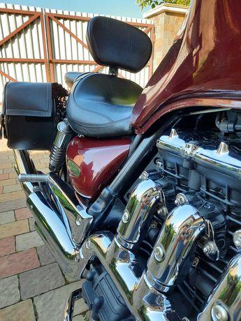 Мотоцикл Тріумф Рокет3