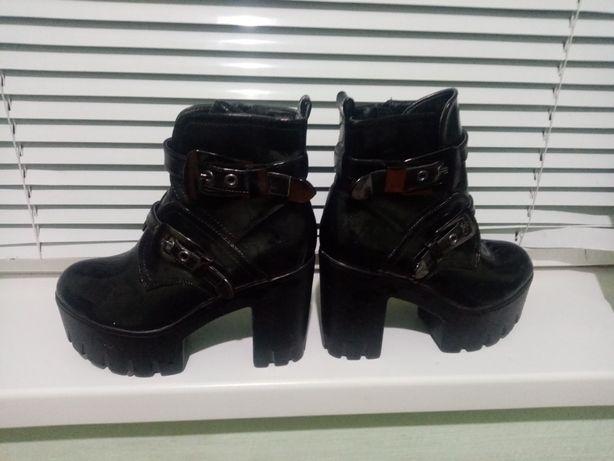Продам осінні черевички розмір36