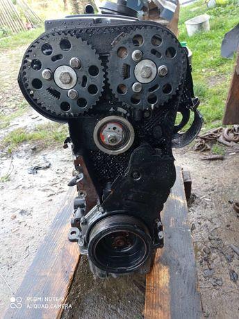 Мотор двигун vw passat (B6)2,0tdi (BKP)