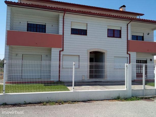 Apartamento em Oliveira do Bairro, Bustos
