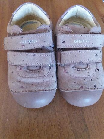 Шкіряні кросівочки на дівчинку GEOX