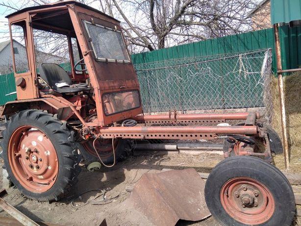 Трактор Т-16, Навесной вилочный погрузчик НВП-700