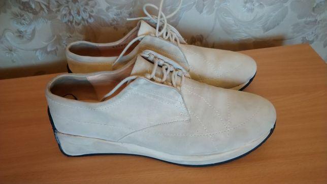 Замшевые кроссовки ,37 размера