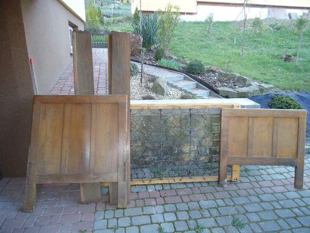 sprzedam zabytkowe łóżko drewniane