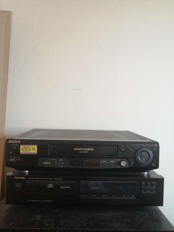 Conjunto de Leitor de VHS e CD