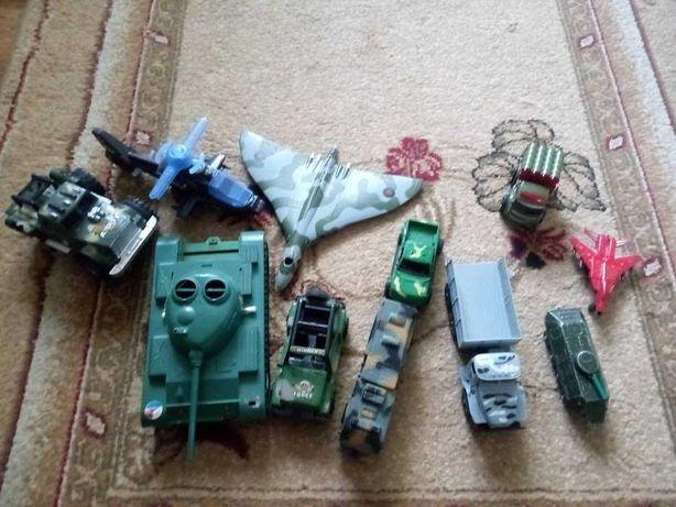 Машинки, танки, самолеты, военная техника