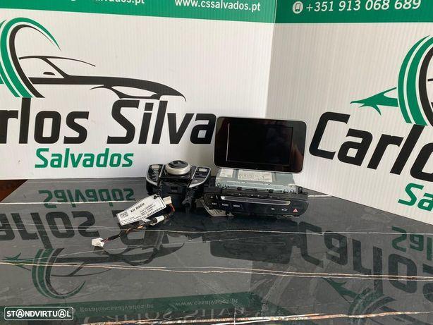 kit Rádio Mercedes C Class (A205)