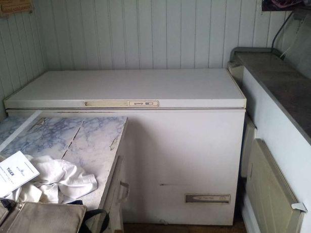 Продам морозильник горизонтальный на 380л