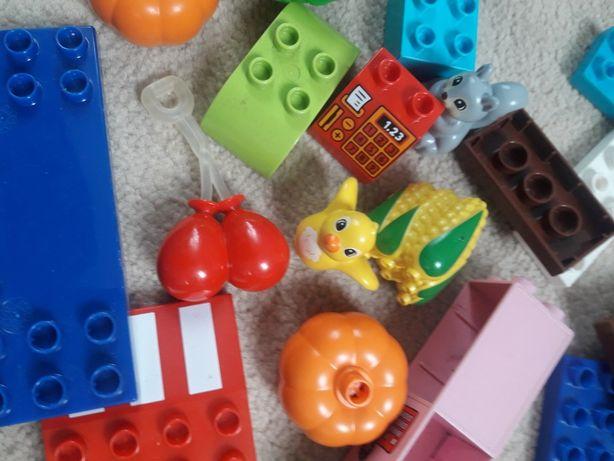 Lego duplo samochód ludziki i inne
