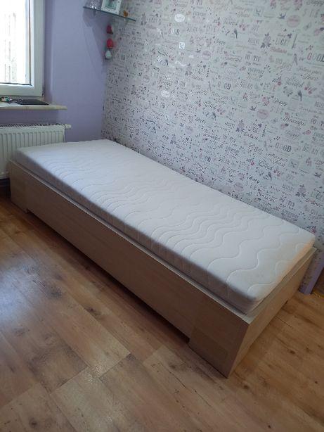 łóżko 98x208 cm..