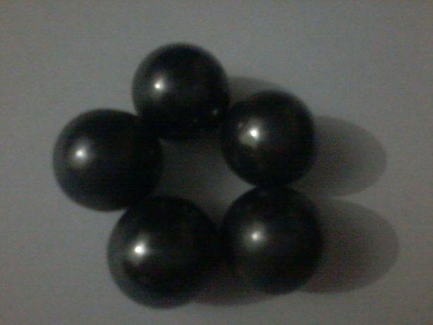 Пять магнитов. В форме шара.