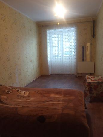 Квартира 3 комнатная, 2 этаж 5 этажного дома.