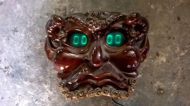 Сувенир с часовым механизмом