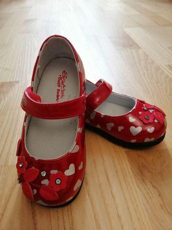 Продам новые туфли 23размер
