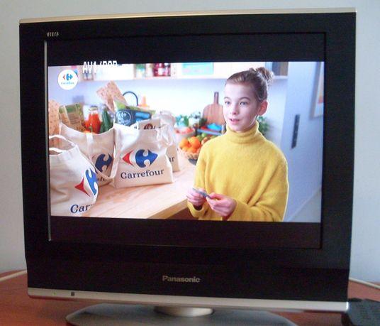 Telewizor Panasonic VIERA TX-20LA70P - dobry na działkę + dekoder