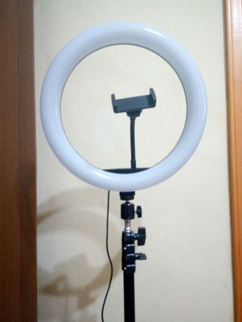 Кольцевая ЛЕД лампа 33 см, USB с пультом + штатив, 3 вида освещения