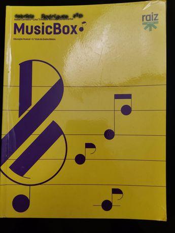 """Livro de música """"MusicBox"""""""