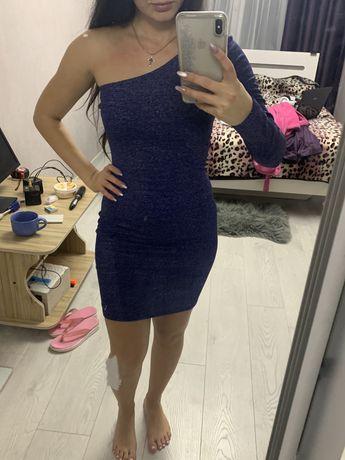 Платье блестящее с люрексом синее xs