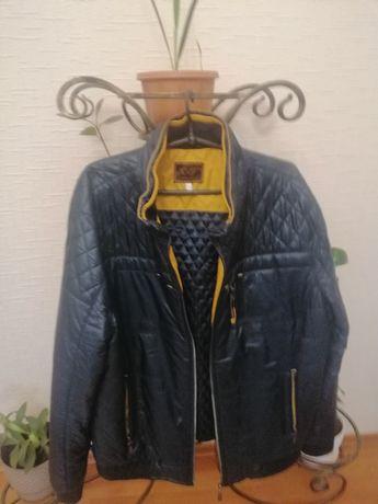 Продам куртку демісезонну